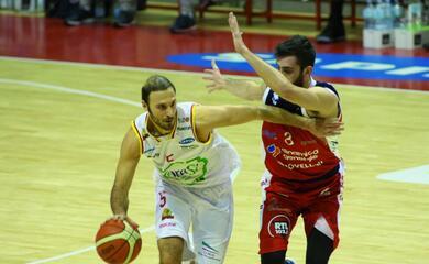 basket-a2-lorasa-ritrova-giachetti-nel-derby-contro-forla-aa-ravenna-ho-dato-tuttoa