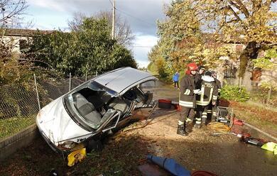 Immagine News - massa-lombarda-auto-contro-furgone-ferite-due-persone