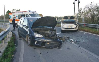 Immagine News - conselice-scontro-tra-auto-due-feriti