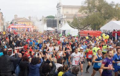 Immagine News - podismo-numeri-da-record-per-ledizione-numero-20-della-maratona-di-ravenna-ecco-i-vincitori