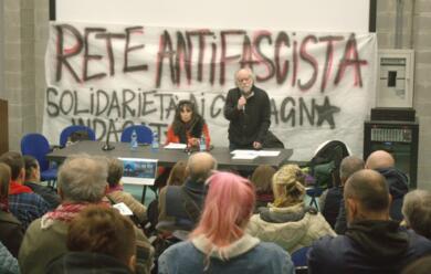 Immagine News - ravenna-mandelli-e-ferrari-parlano-di-neofascismi
