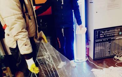 Immagine News - ravenna-spaccata-nella-tabaccheria-morselli-ladri-in-fuga-con-25-mila-euro