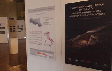 Immagine News - faenza-una-mostra-al-salone-delle-bandiere-per-la-candidatura-a-patrimonio-unescodei-gessi