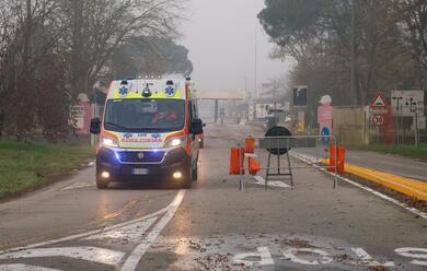 Immagine News - ravenna-al-petrolchimico-operaio-cade-dal-tetto-au-grave