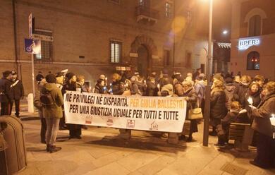 Immagine News - ravenna-giustizia-per-le-vittime-di-femminicidio-un-corteo-silenzioso-contro-il-trasferimento-di-cagnoni