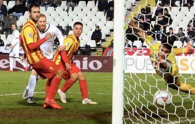 Immagine News - calcio-d-il-cesena-batte-il-giulianova-2-0-ed-au-campione-dinverno