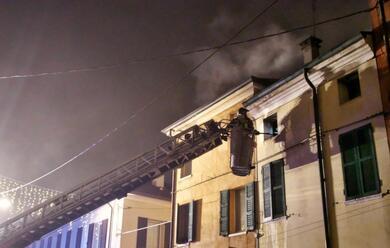 Immagine News - ravenna-incendio-devasta-appartamento-in-via-paolo-costa