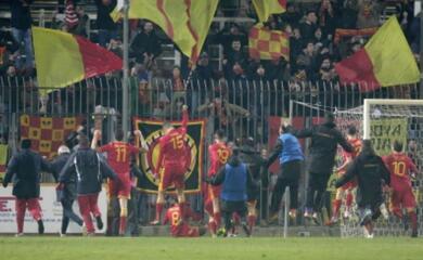 calcio-c-il-derby-tra-imolese-e-ravenna-finisce-2-2-cade-il-rimini-in-trasferta