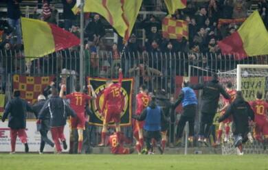 Immagine News - calcio-c-il-derby-tra-imolese-e-ravenna-finisce-2-2-cade-il-rimini-in-trasferta