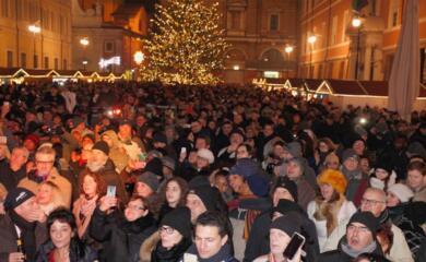 ravenna-capodanno-gospel-in-piazza-del-popolo-con-cheryl-porter