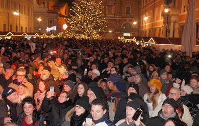 Immagine News - ravenna-capodanno-gospel-in-piazza-del-popolo-con-cheryl-porter
