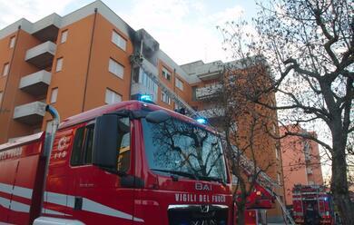 Immagine News - lido-adriano-esplosione-in-un-appartamento-per-una-fuga-di-gas