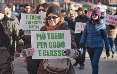 Immagine News - ravenna-pedolari-in-piazza-protestano-per-i-nuovi-orari