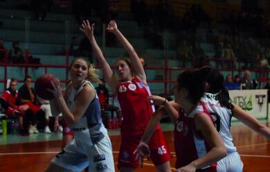 Immagine News - basket-a2-donne-linfinitybio-attende-forla-e-policari-suona-la-carica-quotil-quarto-posto-non-ci-bastaquot