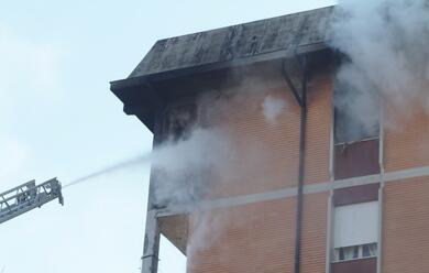 Immagine News - ravenna-a-fuoco-un-appartamento-di-una-palazzina-in-viale-randi