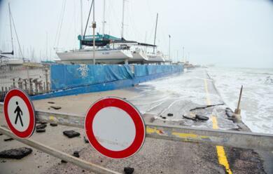 Immagine News - maltempo-allerta-mareggiate-sui-lidi-del-litorale-ravennate