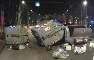 Immagine News - ferrara-protesta-in-strada-di-un-gruppo-di-nigeriani-rissa-con-i-carabinieri
