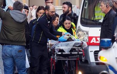 Immagine News - e-morto-il-bimbo-di-2-anni-e-mezzo-caduto-dal-carro-di-carnevale-in-centro-a-bologna