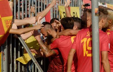 Immagine News - calcio-c-un-grande-ravenna-rifila-tre-gol-al-fano-male-il-rimini-pareggia-limolese