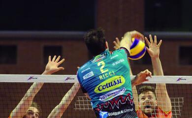 volley-superlega-il-cotignolese-ricci-promuove-la-consar-quotchi-non-au-soddisfatto-non-capisce-nullaquot
