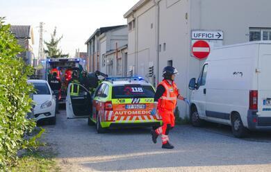 Immagine News - ravenna-incidente-sul-lavoro-alla-resinplast-26enne-in-gravi-condizioni
