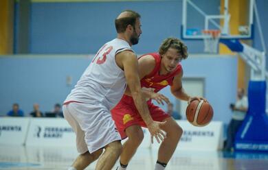Immagine News - basket-scivolano-forla-e-imola-domani-sera-il-derby-di-serie-b-tra-faenza-e-lugo
