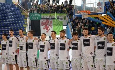 basket-b-la-rekico-faenza-vince-il-derby-contro-lugo-e-sale-al-secondo-posto-a-2-dalla-vetta
