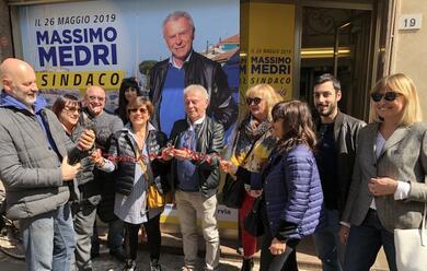 Immagine News - cervia-inaugurato-il-comitato-elettorale-di-massimo-medri-candidato-sindaco-del-centrosinistra