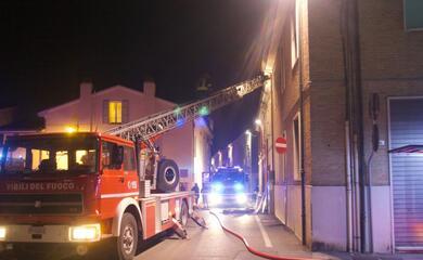 ravenna-corto-circuito-fa-scattare-incendio-in-una-casa