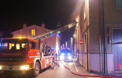 Immagine News - ravenna-corto-circuito-fa-scattare-incendio-in-una-casa