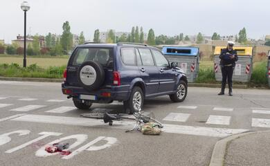 ravenna-ciclista-78enne-tampona-unauto-au-grave