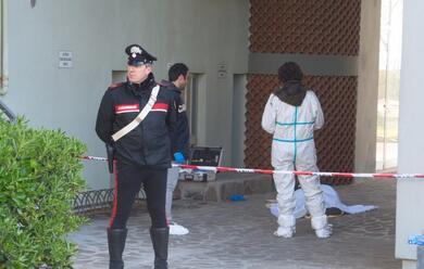 Immagine News - lido-di-classe-donna-trovata-morta-difronte-ad-una-palazzina