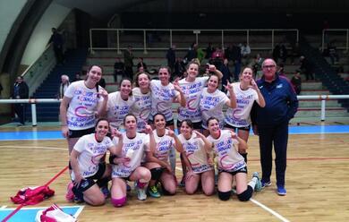 Immagine News - volley-donne-lacsi-ravenna-festeggia-la-promozione-in-c-dopo-una-stagione-memorabile