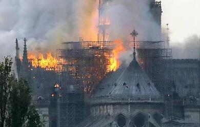Immagine News - quotla-guglia-che-cade-il-fumo-si-vedeva-da-tutta-parigi-addio-a-notre-damequot-il-racconto-dello-studente-ravennate-luca-mazzesi