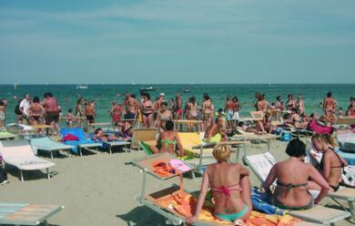 Immagine News - ravenna-al-via-la-stagione-balneare-nuove-deroghe-per-le-aperture-serali