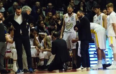 Immagine News - basket-a2-lorasa-travolta-anche-in-gara-2-a-capo-dorlando-gioveda-ultima-chiamata-al-pala-de-andrau-per-restare-in-corsa