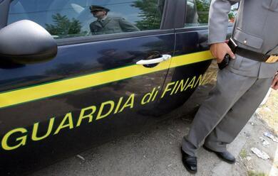 Immagine News - cervia-finanza-arresta-turista-con-tre-etti-di-cocaina