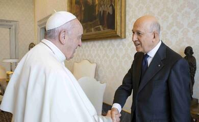 il-presidente-dellabi-il-ravennate-antonio-patuelli-au-stato-ricevuto-da-papa-francesco