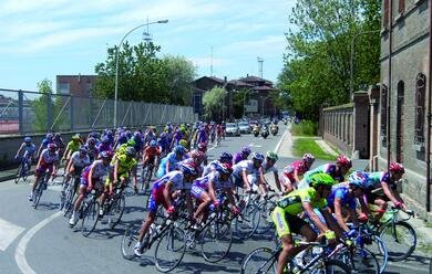 Immagine News - ciclismo-le-modifiche-alla-circolazione-per-la-partenza-del-giro-da-ravenna-il-21-maggio