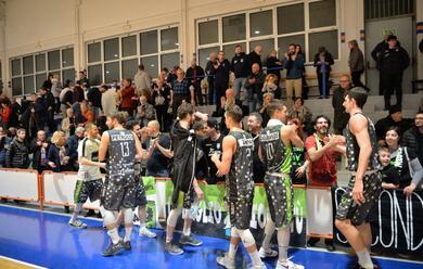 Immagine News - basket-b-playoff-la-rekico-cade-anche-in-gara-3-e-chiude-una-stagione-quotda-10-e-lodequot
