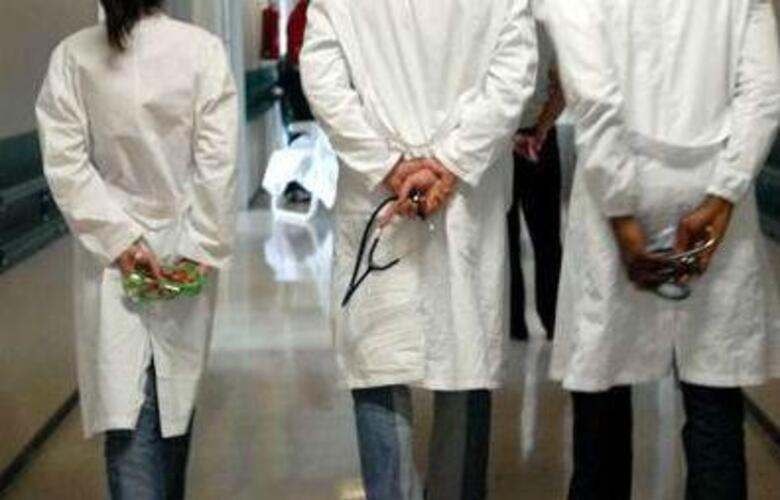 Immagine News - ravenna-morte-per-sospetto-contagio-da-quotmucca-pazzaquot-40-medici-indagati