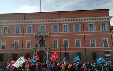 Immagine News - ravenna-buona-adesione-allo-sciopero-nazionale-dei-portuali-di-cgil-cisl-e-uil