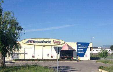 Immagine News - mercatone-uno-fallita-la-shernon-holding-che-gestiva-i-55-negozi-sindacati-in-allarme