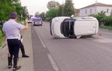 Immagine News - villa-san-martino-travolge-unauto-con-il-furgone-e-fugge-rintracciato-poco-dopo