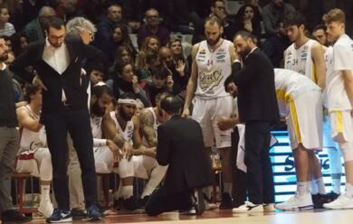 Immagine News - basket-a2-dopo-4-anni-lorasa-e-il-vice-allenatore-lotesoriere-si-separano