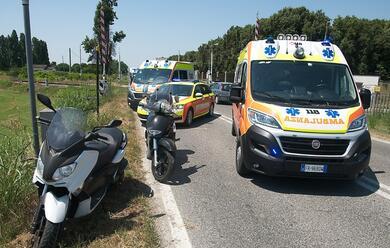 Immagine News - ravenna-scooter-contro-auto-due-feriti-al-bufalini