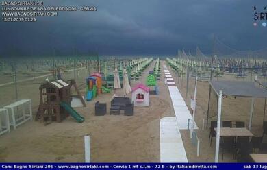 Immagine News - maltempo-forte-vento-e-pioggia-fra-i-lidi-ravennati-e-cervia