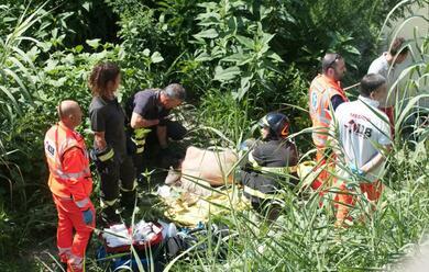 Immagine News - ravenna-tenta-il-suicidio-salvato-dai-carabinieri