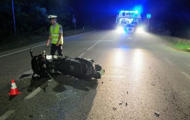 Immagine News - ravenna-scooter-contro-auto-feriti-due-giovani