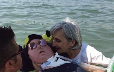 Immagine News - marzia-in-spiaggia-con-i-disabili-a-punta-marina-quotla-bellezza-di-uno-sguardoquot